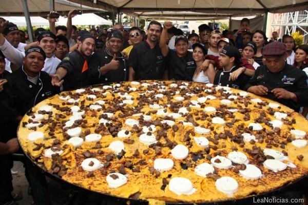В ноябре 2012 года в одной из венесуэльских городов испекли самую большую качапу. Её диаметр составил 2 метра, а вес 18 кг. Для начинки этого «кулинарного рекорда» понадобились килограммы сыра, изготовленного из буйволиного молока.