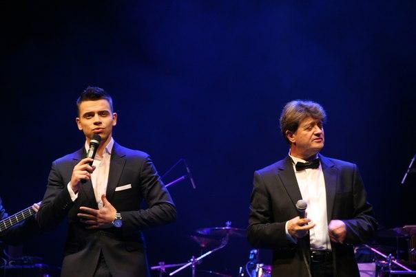 Алексей Гросс и Валерий Дайнеко. Вокальную импровизацию с гитарой Валерий Дайнеко оставил за собой