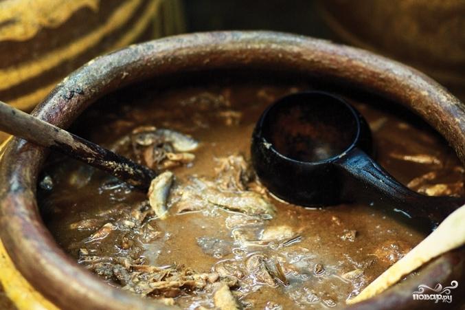 Примерно так мог выглядеть соус гарум в Древнем Риме. Уверен, что это его «облагороженный» внешний вид